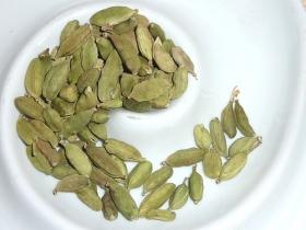 Cardamom, green, whole